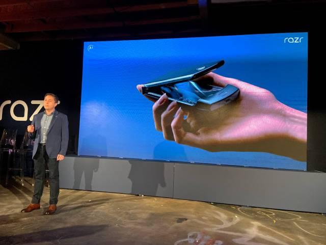 Motorola Razr, Hands-On