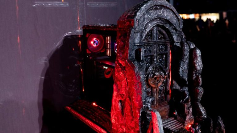 This is the spectacular personalized PC of Diablo 4 by Corsair