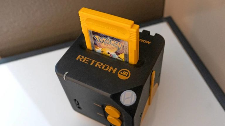 Retron Jr., new Hyperkin console to play Game Boy titles on TV