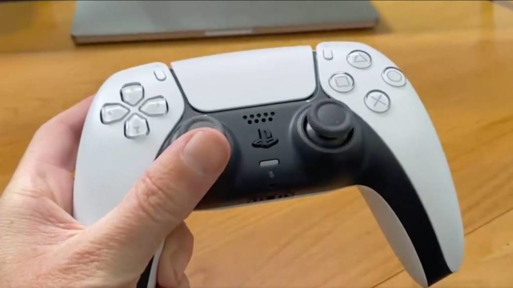 PS5 DualSense: first real video of the PlayStation 5 controller