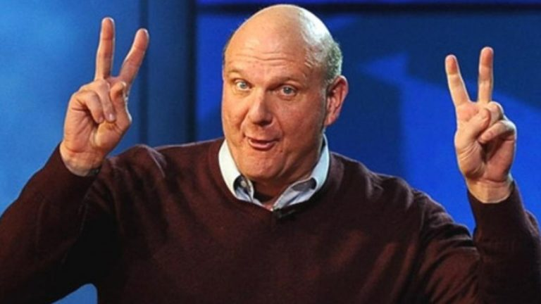 Steve Ballmer, former CEO of Microsoft, gives a PS5 to the entire Los Clippers staff