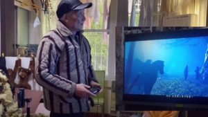 This is the 86-year-old grandfather who has completed more than 300 games; an idol in China